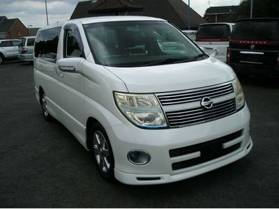 NISSAN ELGRAND MPV 2.5 Highway star