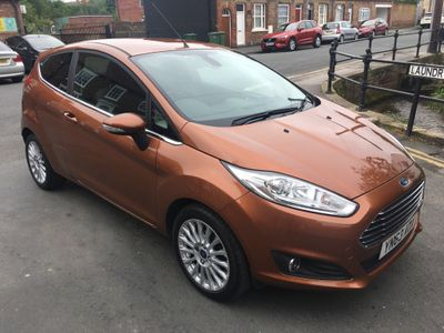 FORD FIESTA Hatchback 1.6 Titanium Powershift 3dr