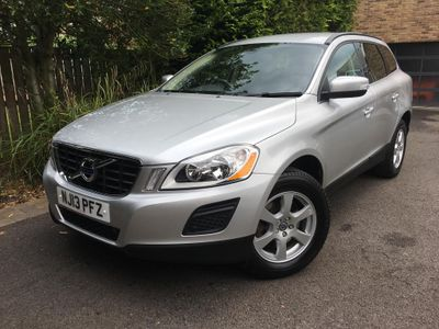 VOLVO XC60 SUV 2.4 D5 SE Nav Geartronic AWD 5dr