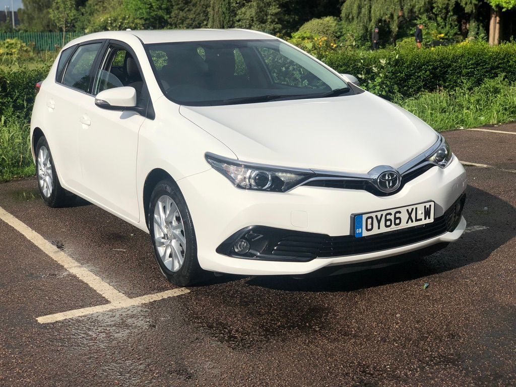 TOYOTA AURIS Hatchback 1.2 VVT-i Icon 5dr