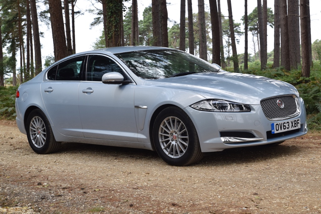 JAGUAR XF Saloon 2.2 TD SE Business (s/s) 4dr