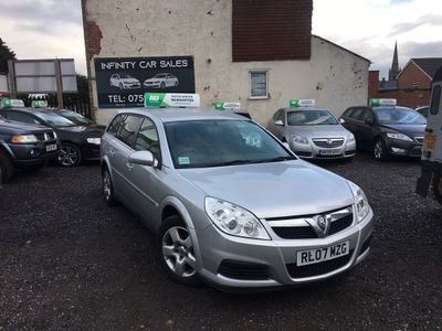 VAUXHALL VECTRA Estate 1.9 CDTi 16v Exclusiv 5dr