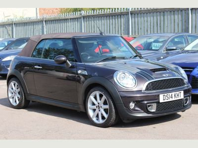 MINI CONVERTIBLE Convertible 2.0 Cooper SD Highgate 2dr