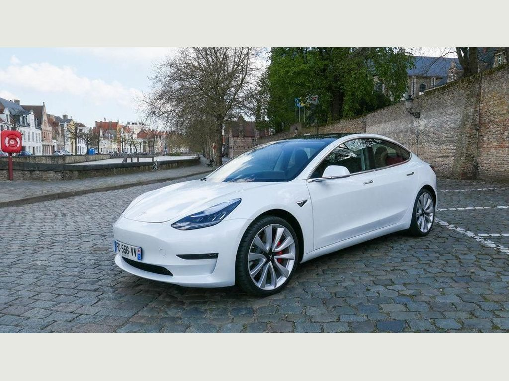 TESLA MODEL 3 Saloon Dual Motor Performance Auto 4WDE 4dr