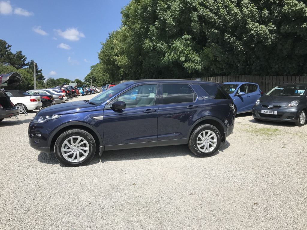 LAND ROVER DISCOVERY SPORT SUV 2.0 TD4 SE Tech 4X4 (s/s) 5dr