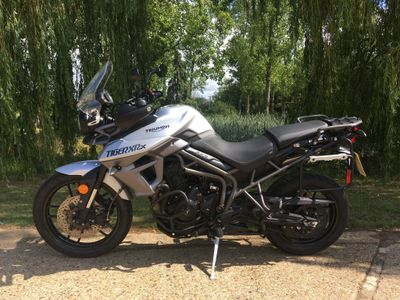 TRIUMPH TIGER Adventure 800 XRx
