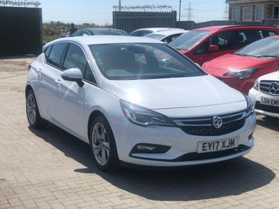 VAUXHALL ASTRA Hatchback 1.6 CDTi BlueInjection SRi Nav (s/s) 5dr