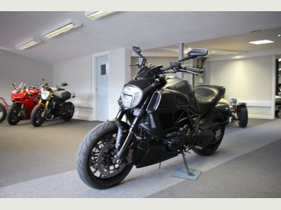 DUCATI DIAVEL Sports Tourer 1200 ABS Sports/Tourer