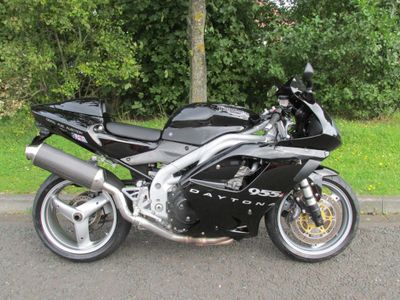 TRIUMPH DAYTONA Super Sports 955i