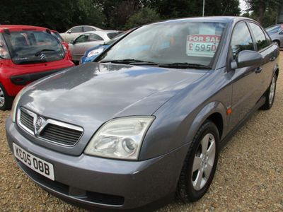 VAUXHALL VECTRA Hatchback 1.8 i 16v Club 5dr