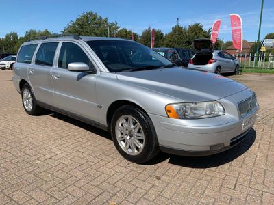 VOLVO V70 Estate 2.4 D5 S AWD 5dr