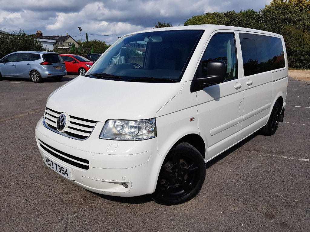 VOLKSWAGEN CARAVELLE MPV 3.2 V6 Executive Bus 4dr (7 Seats)