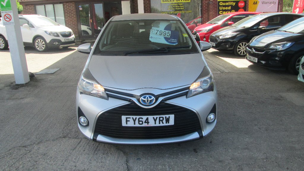 TOYOTA YARIS Hatchback 1.5 Icon e-CVT 5dr