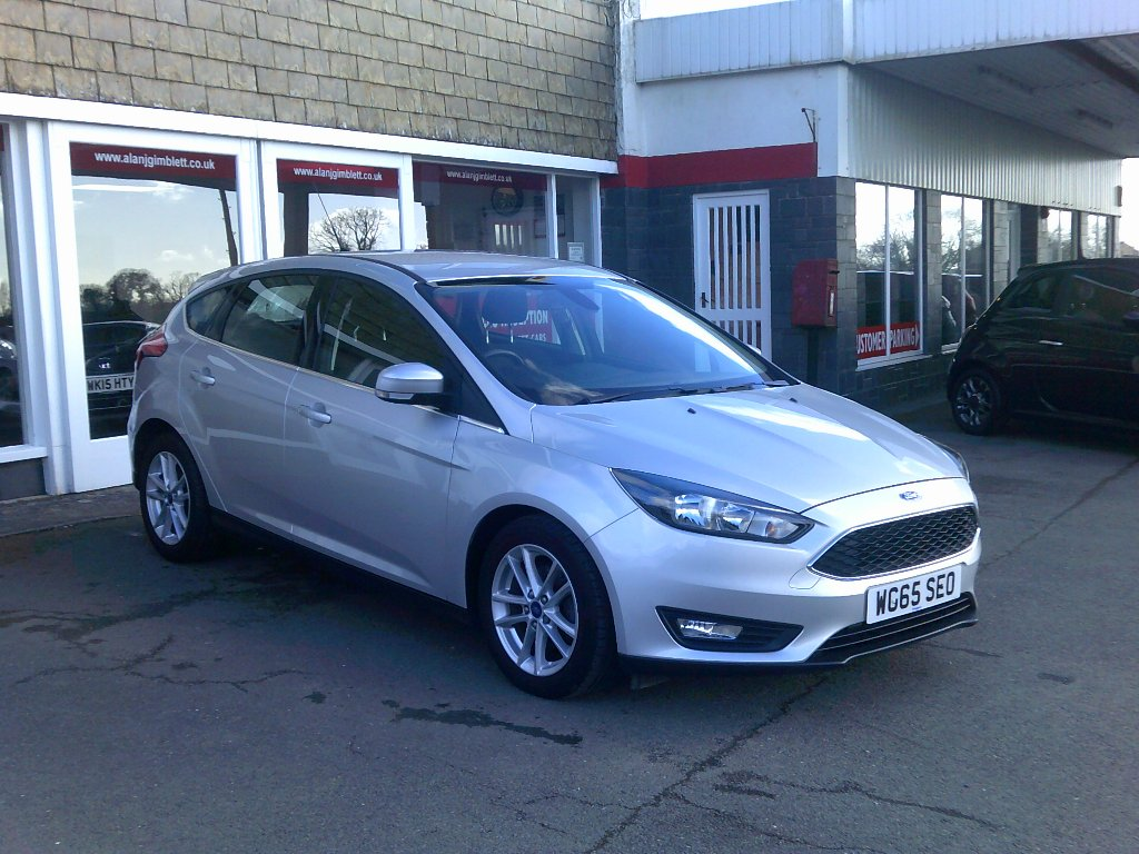 FORD FOCUS Hatchback 1.6 Ti-VCT Zetec Powershift 5dr
