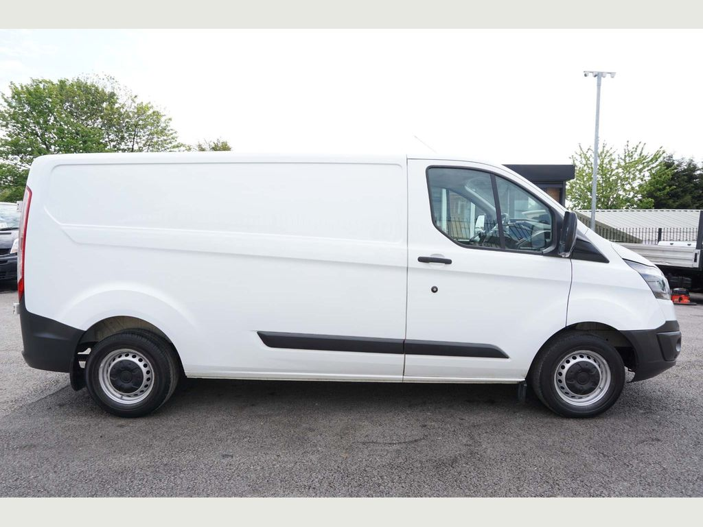 FORD TRANSIT CUSTOM Panel Van 2.2 TDCi 290 L2H1 Panel Van 5dr