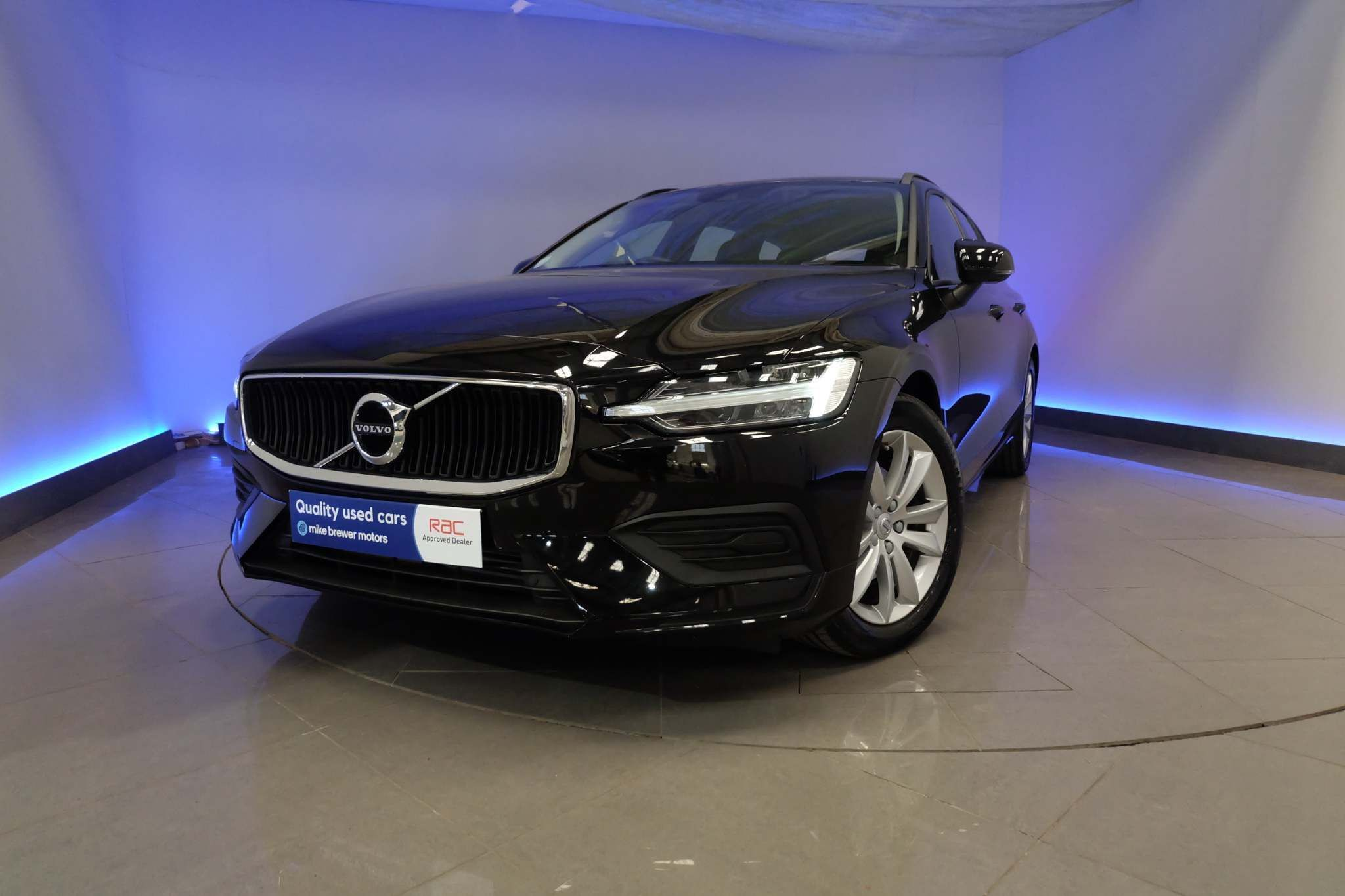 Used Volvo V60 2.0 D4 Momentum Auto (s/s) 5dr