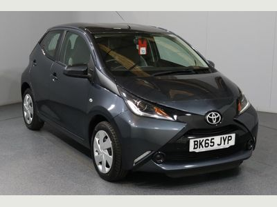 Toyota Aygo 1.0 VVT-i X-Play 5dr £0 Road Tax - Bluetooth System