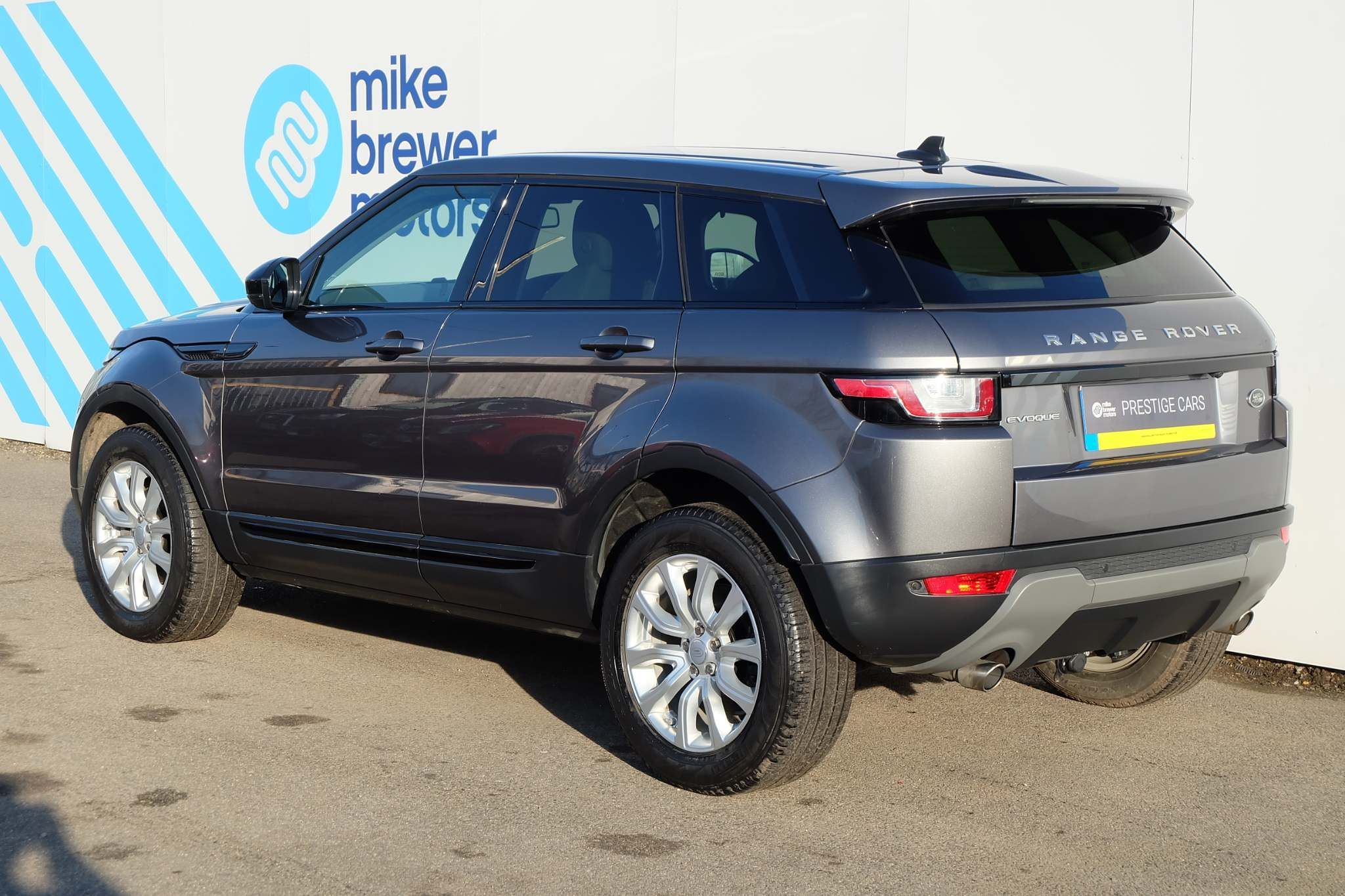 Used Land Rover Range Rover Evoque 2.0 Td4 Se Tech 4wd (s/s) 5dr