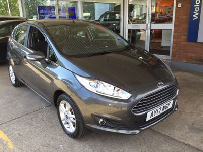 Ford Fiesta 1.2 ZETEC HATCHBACK 5door PETROL MANUAL 122 g/km 81.0 bhp Sat Nav Bluetooth Air Con
