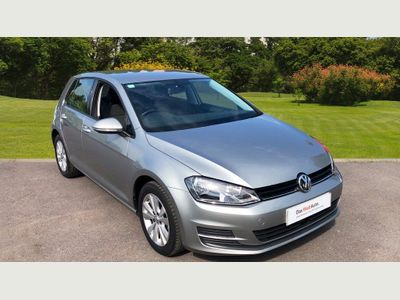 Volkswagen Golf 1.6 Tdi 105 Se 5Dr Dsg Diesel Hatchback CRUISE, ALLOYS, AIR CON