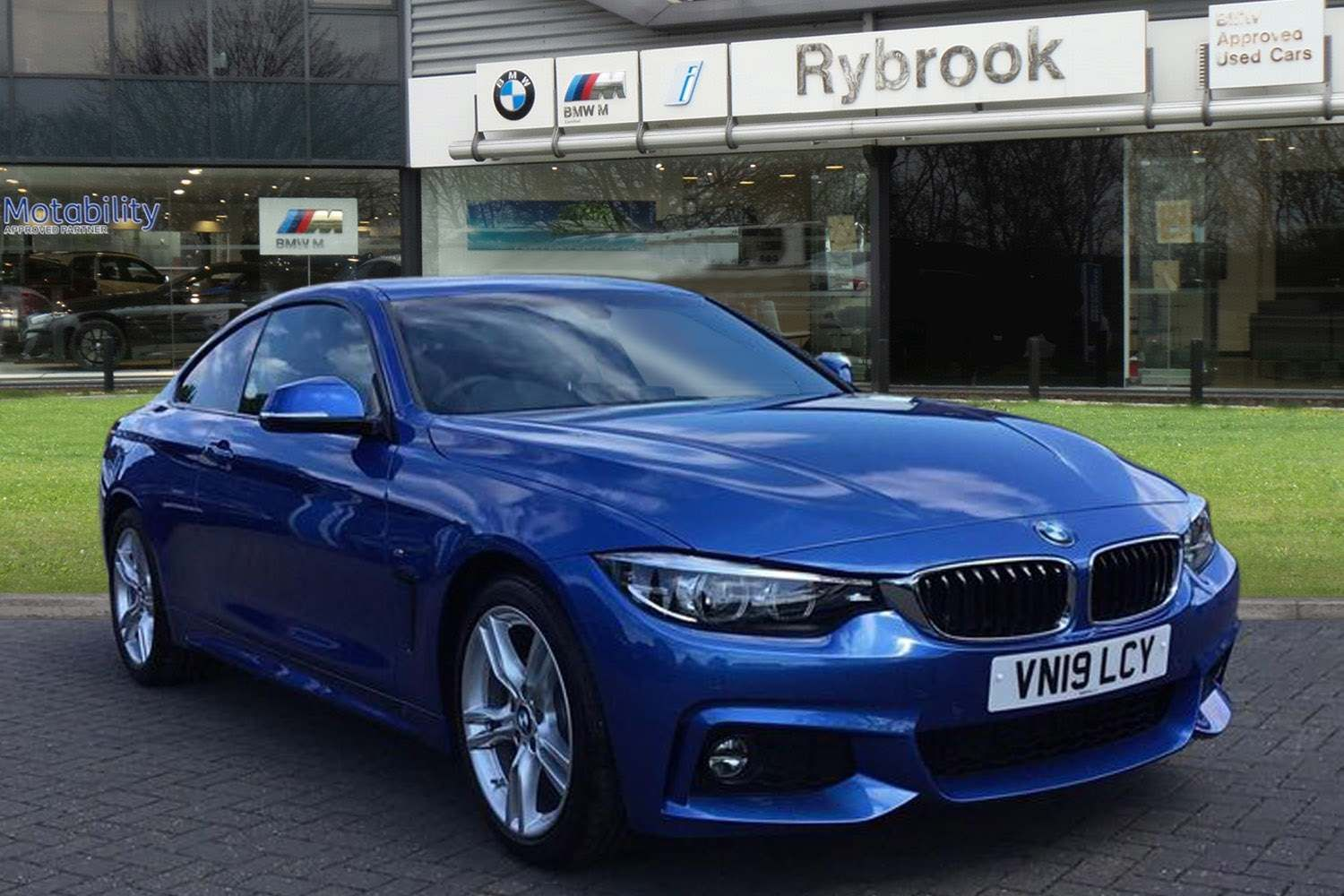 BMW 4 Series 430i M Sport Coupe Auto 2.0 2dr Estoril Blue, Black Leather
