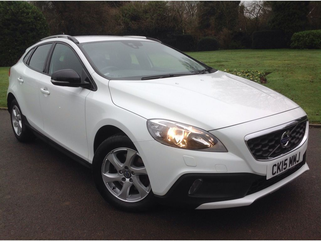 Volvo V40 Cross Country 1.6 D2 SE Cross Country 5dr Diesel Manual (s/s) (99 g/km, 115 bhp)