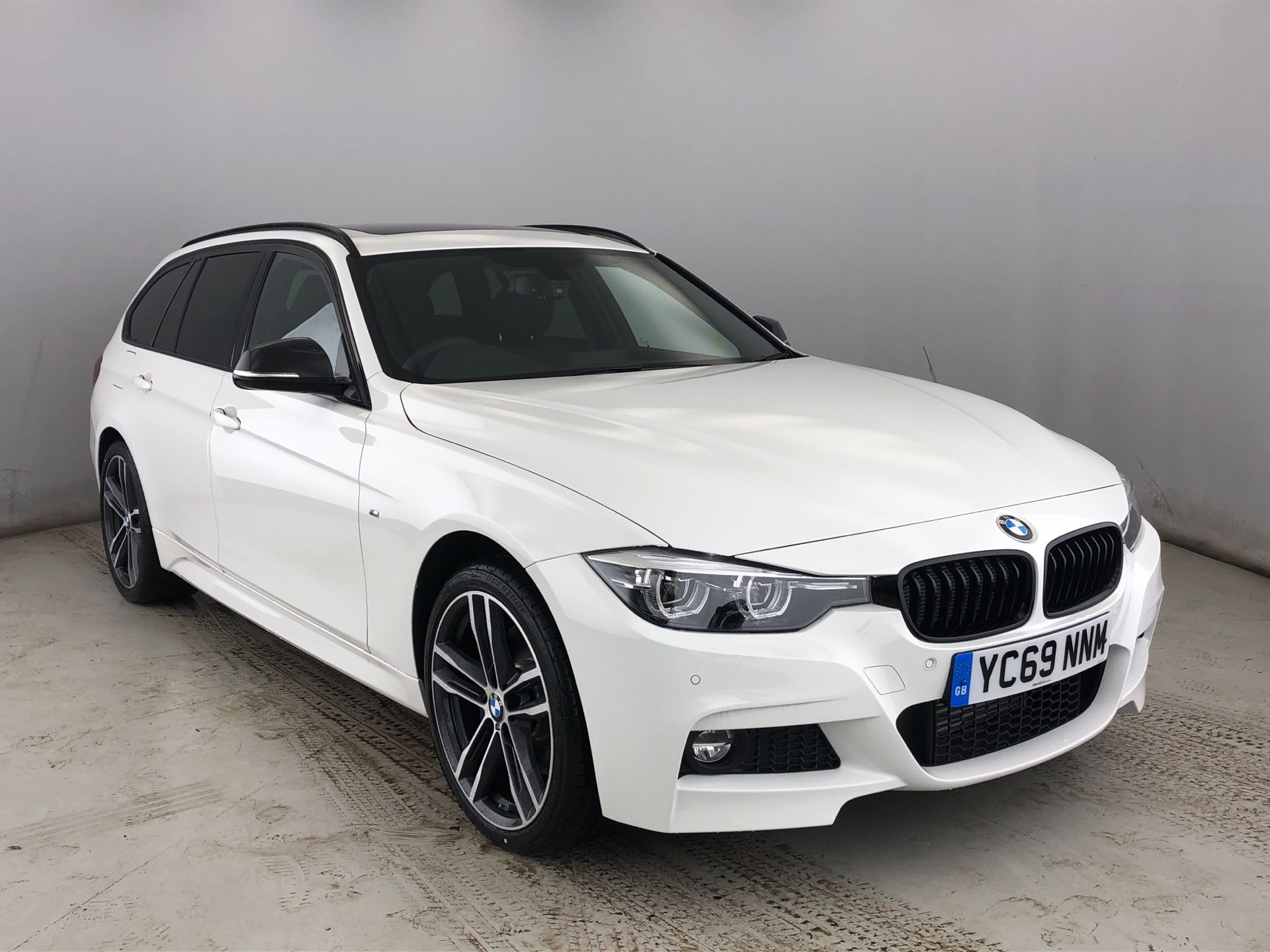 BMW 3 Series 320d xDrive MSport ShadowEdition Touring 2.0 5dr