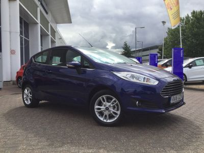Ford Fiesta 1.2 ZETEC HATCHBACK 3door PETROL MANUAL 122 g/km 81.0 bhp Rear Sensors & Bluetooth