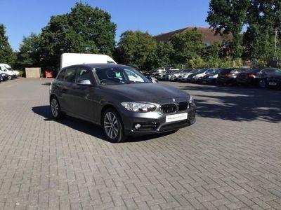 BMW 1 Series 118i Sport 5-door 1.5 5dr SUN PROTECTION GLASS