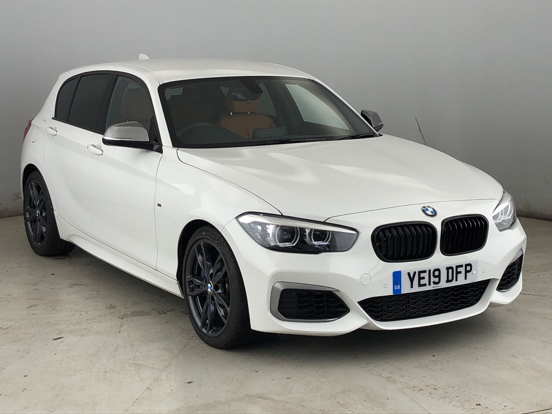 BMW 1 Series M140i Shadow Edition 5-door 3.0 5dr Profesional Media