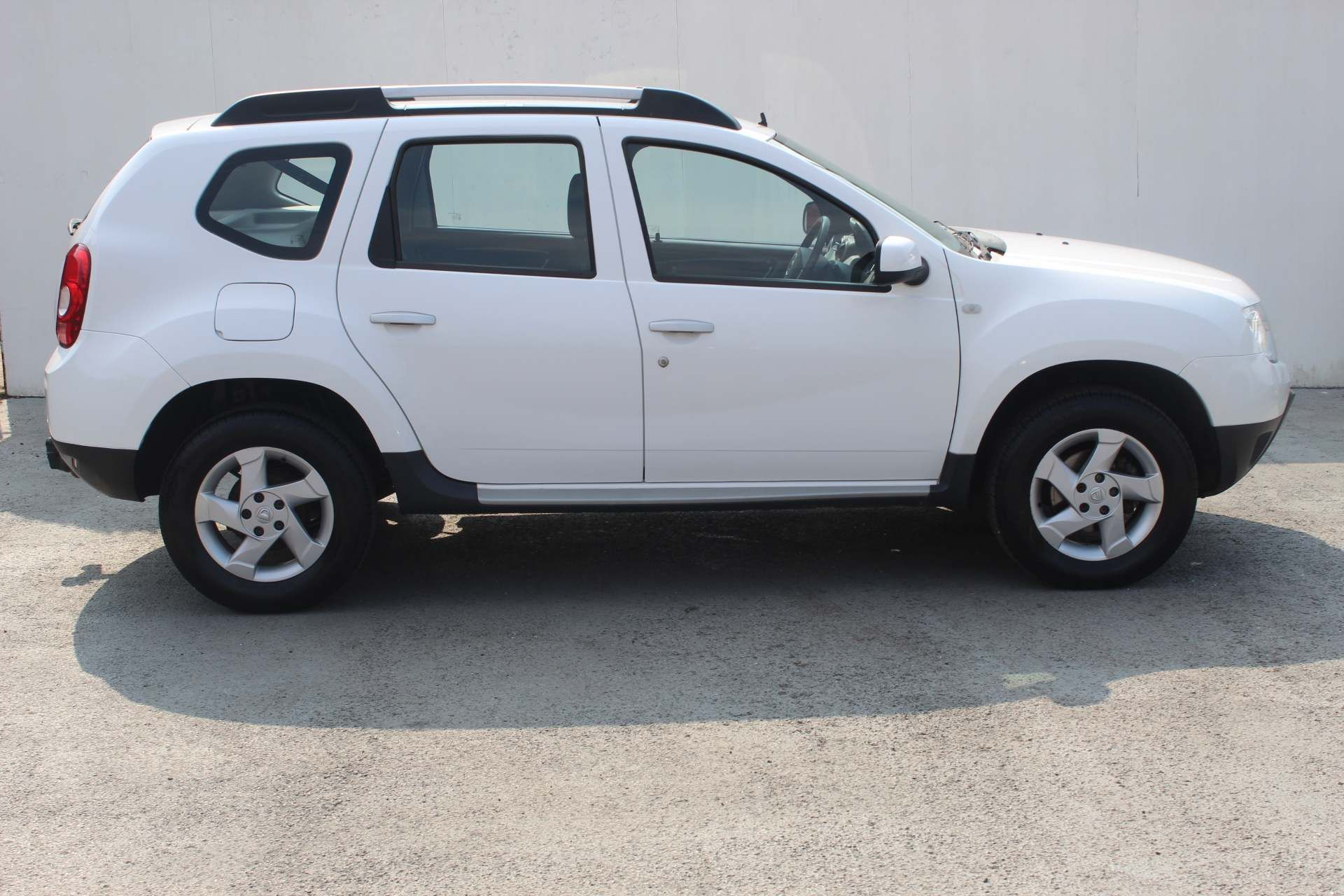 Dacia Duster 1.5 dCi Laureate 4WD (s/s) 5dr - Image 1