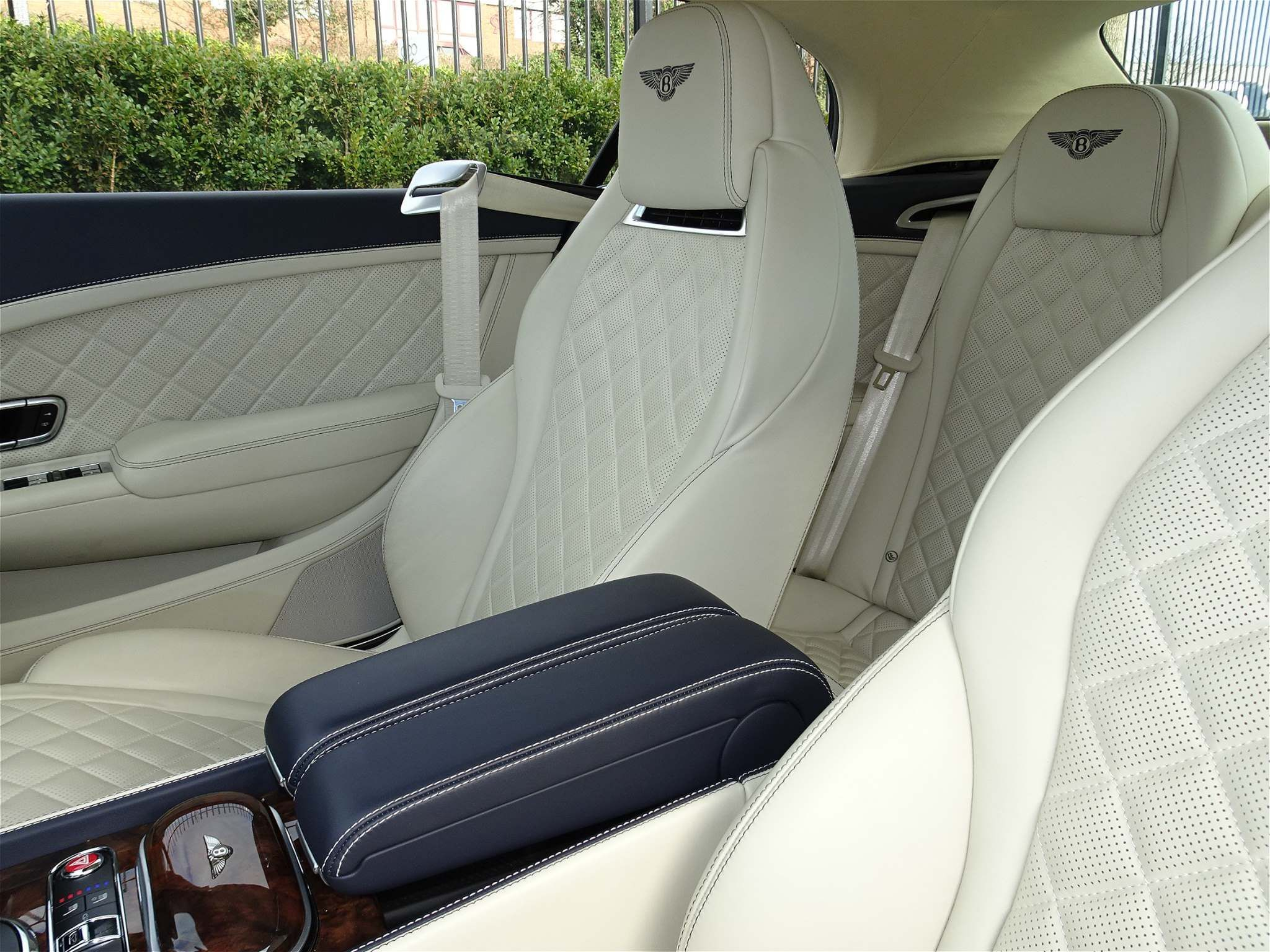 Bentley Continental 6.0 W12 GTC Speed Auto 4WD 2dr