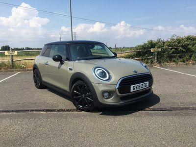 MINI Cooper 1.5 (S/S) Cooper 1.5 Twin Clutch Automatic with XL Navigation and LED Headlights 3dr Mini TLC Service Pack Included