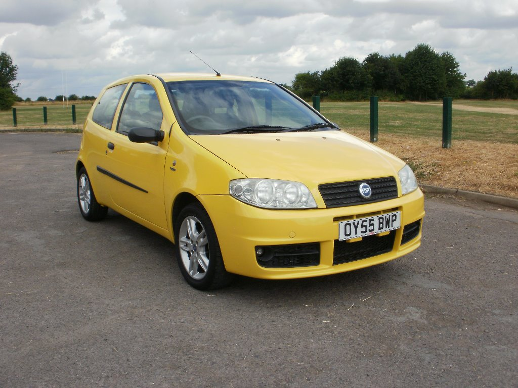 2005 Yellow FIAT PUNTO 1.2 8v Active Sport 3dr for sale for £895 in