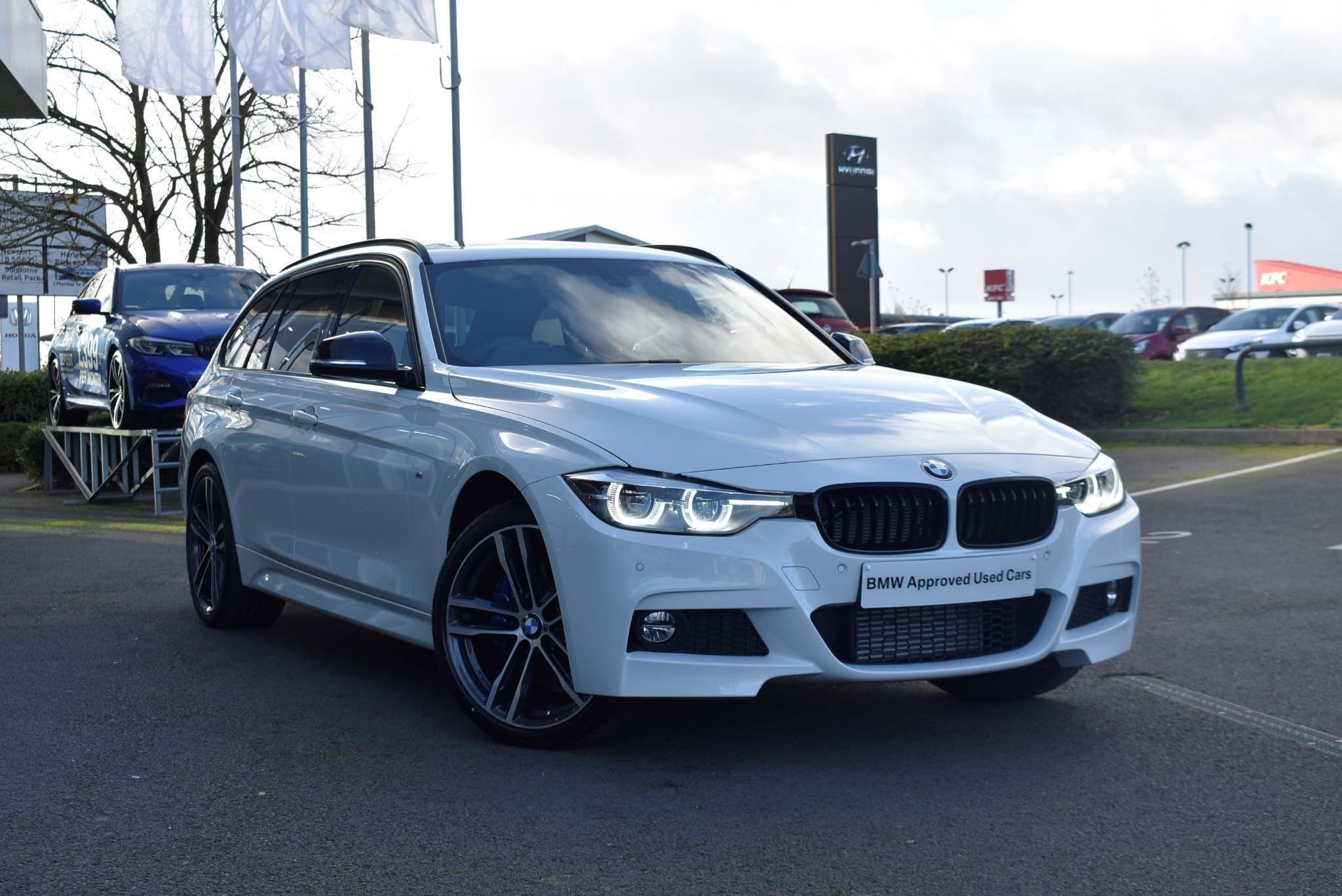 BMW 3 Series 320d xDrive MSport ShadowEdition Touring 2.0 5dr PAN ROOF PRO NAV LEATHER