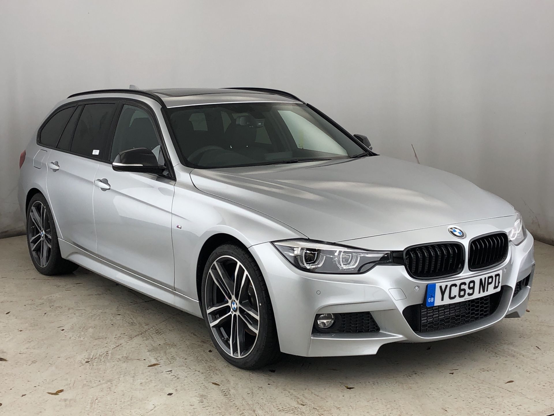 BMW 3 Series 320d M Sport Shadow Edition Touring 2.0 5dr