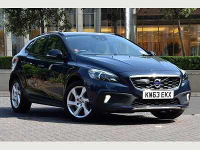 Volvo V40 Cross Country Lux Nav D3 Heated Seats, BLIS, Lane Keep Assist, DAB Radio, Rear Park Assist. 2.0 5dr *BLIND SPOT DETECTION*