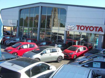 Toyota Auris Hybrid 1.8 VVT-i HSD Business Edition 5-Dr 5dr * Zero Road Tax & Sat Nav *