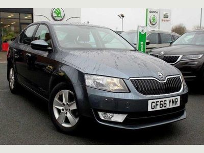 Skoda Octavia Hatchback 5-Dr 1.4 TSI SE Sport (150PS) DSG 5dr Very economical!