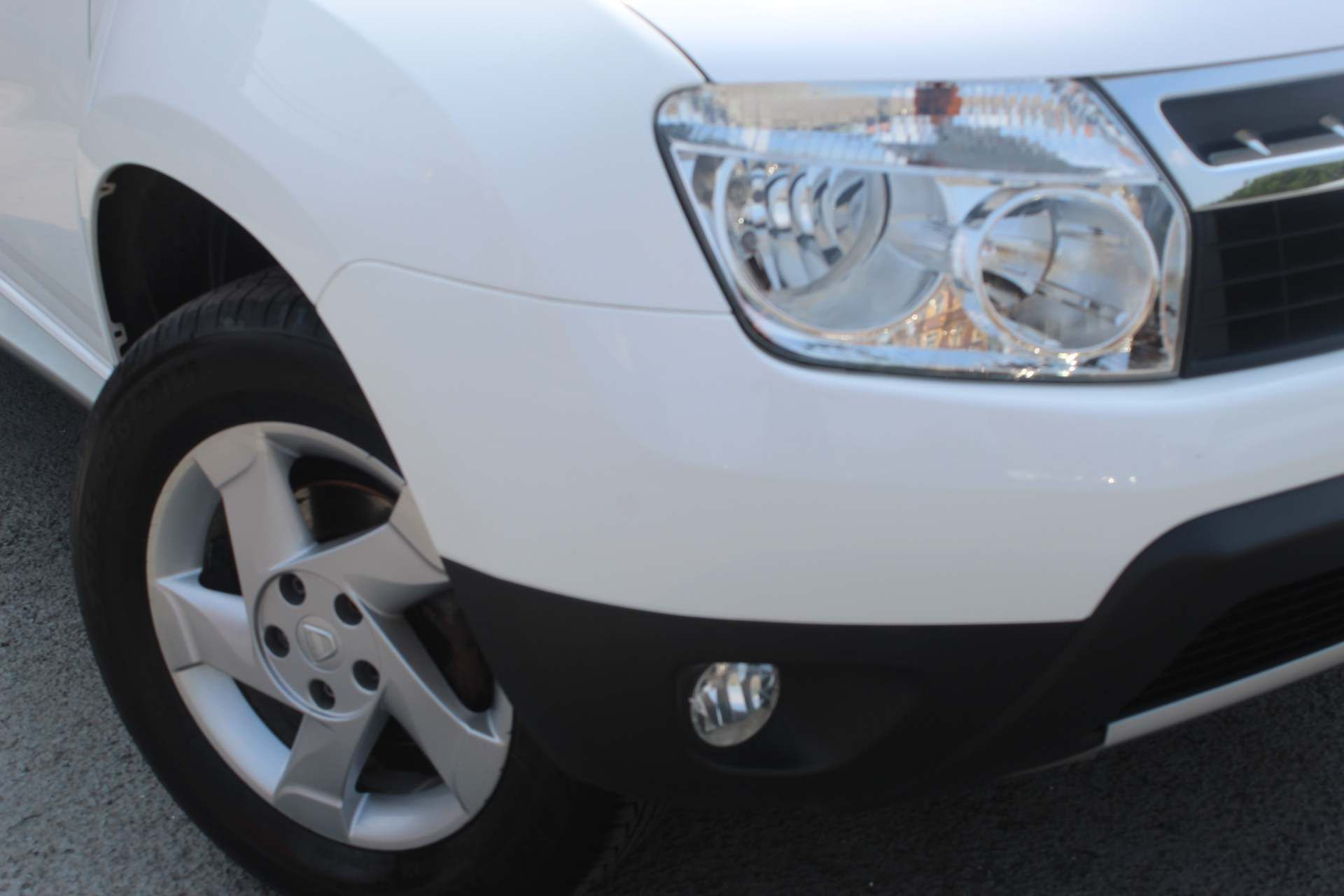 Dacia Duster 1.5 dCi Laureate 4WD (s/s) 5dr - Image 14