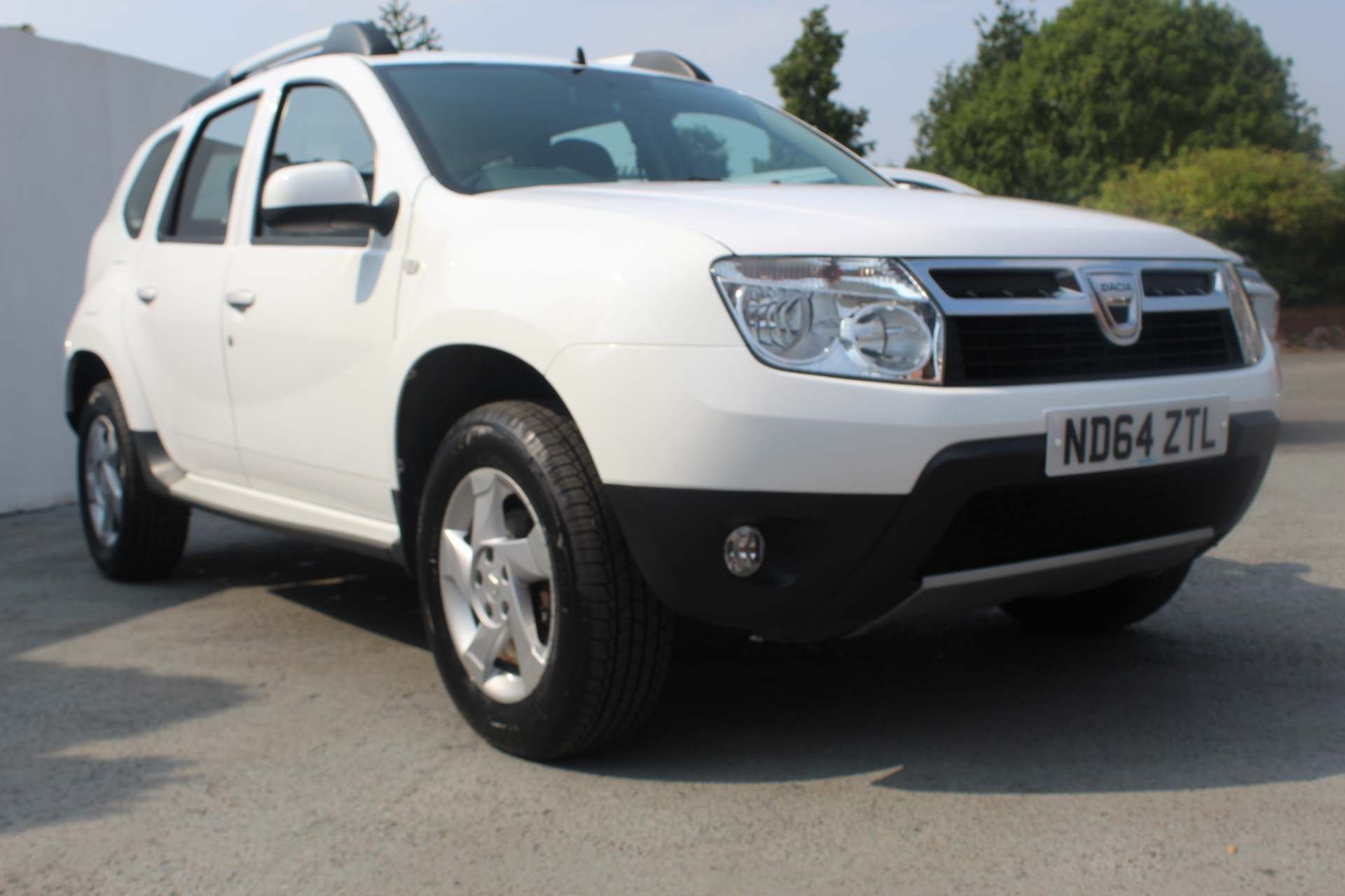 Dacia Duster 1.5 dCi Laureate 4WD (s/s) 5dr - Image 9