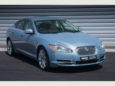 Jaguar XF 2.7 TD Premium Luxury Saloon 4dr Diesel Automatic (199 g/km, 204 bhp) LITERATURE PACK IN FROST BLUE