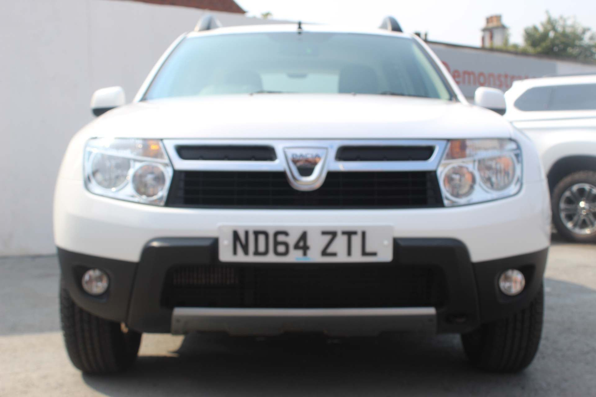Dacia Duster 1.5 dCi Laureate 4WD (s/s) 5dr - Image 8