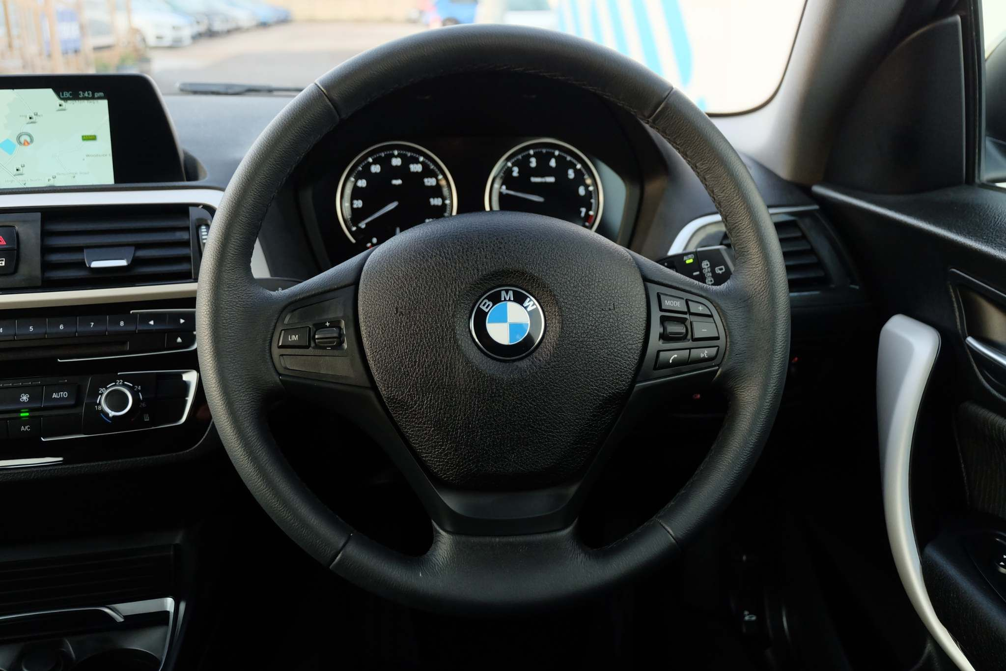 Used BMW 1 Series 1.5 118i Gpf Se Sports Hatch (s/s) 3dr