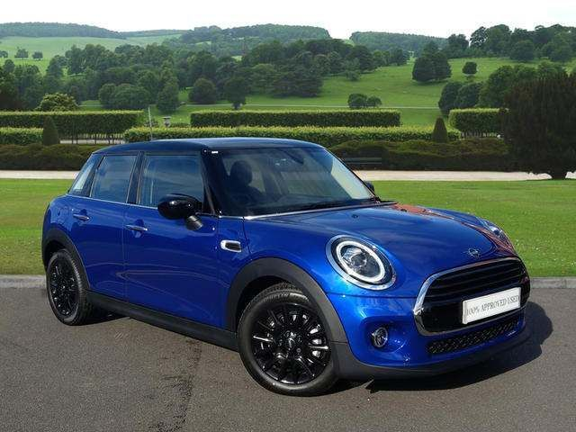 MINI 5-Door Hatch Cooper Classic 1.5 5dr 69 PLATE - DELIVERY MILEAGE!