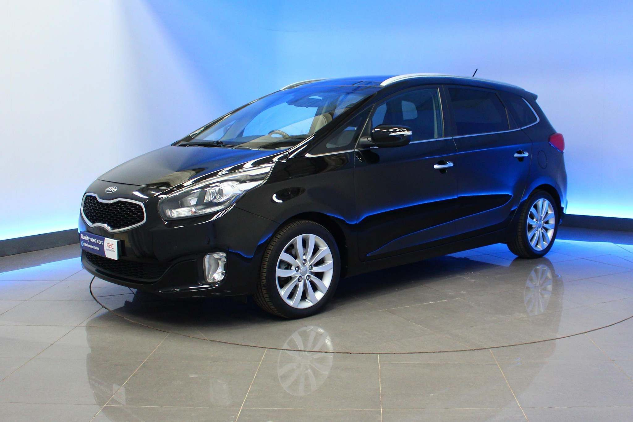 Used  Kia Carens 3