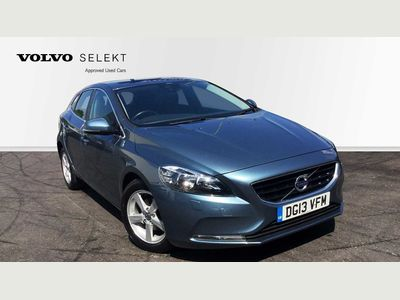 Volvo V40 D2 SE Manual Winter Pack, Bluetooth, High Performance Audio 1.6 5dr ISOFIX