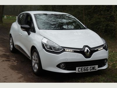 Renault Clio 0.9 TCE 90 Dynamique Nav 5dr 1 OWNER FROM NEW - SAT NAV